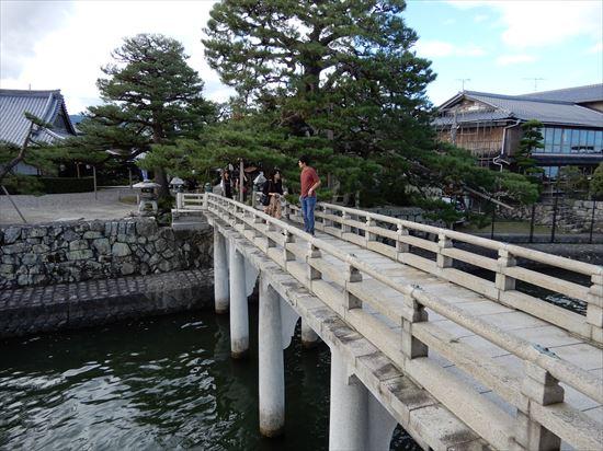 満月寺浮御堂(まんげつじうきみどう)