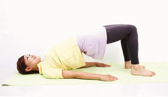 脊柱側弯症は改善できる。脊柱側弯症のカイロプラクティックと整体の治療法